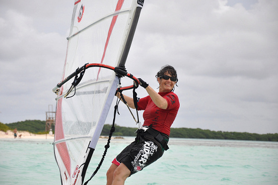 Canadian Windsurf Women: they can even smile while riding