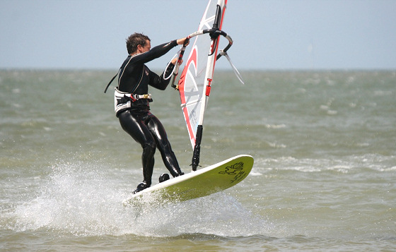 Minnis Bay: freestyle action