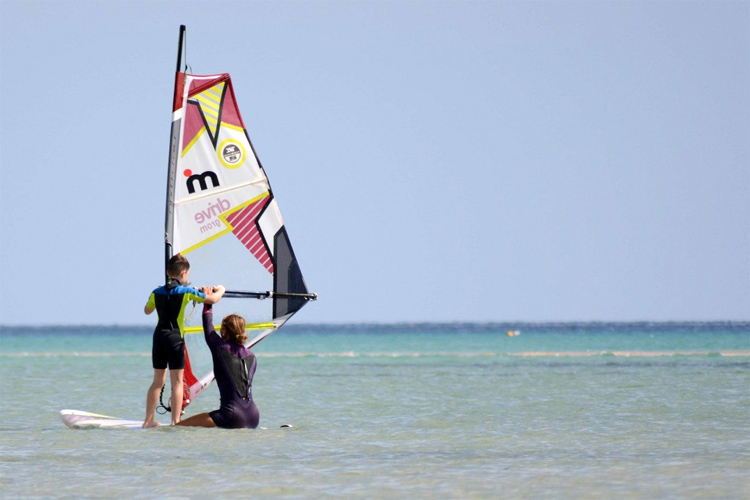 Neutral position: windsurfing's starting point | Photo: Bushmans