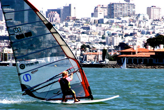 Formula Windsurfing: a nice San Francisco view