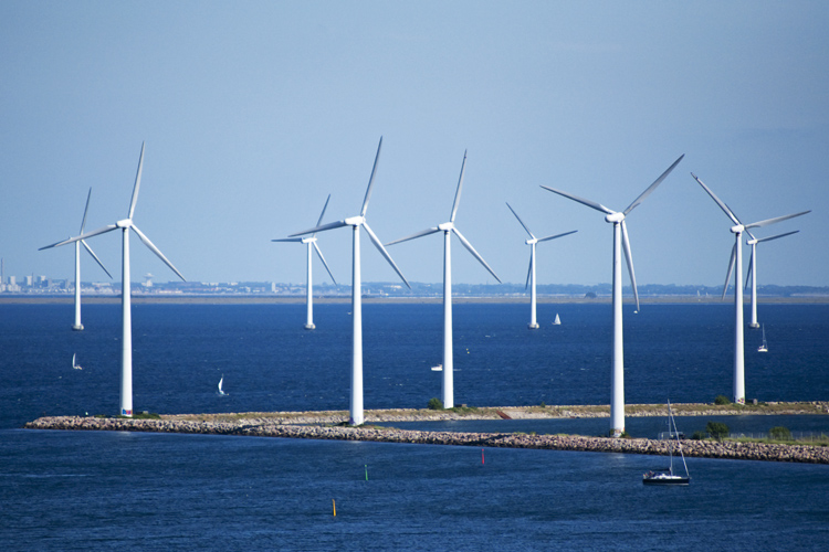 Wind power in Denmark: 5000 turbines at work | Photo: CGP Grey/Creative Commons