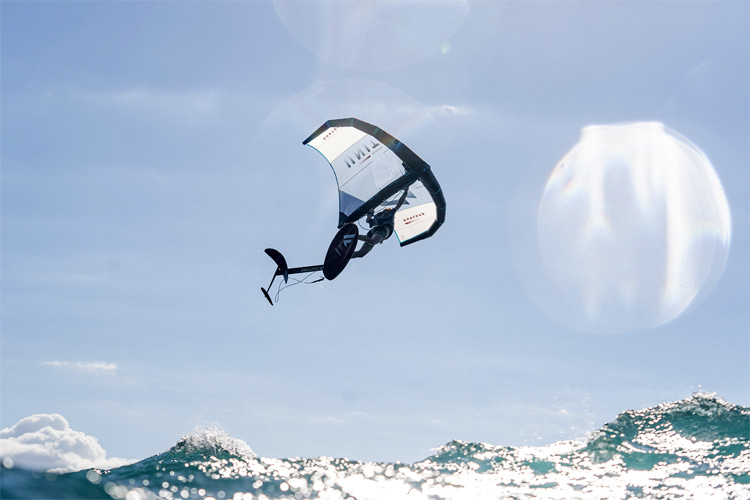 Freestyle foiling: the wing foiling revolution is open to tricks and maneuvers | Photo: GWA