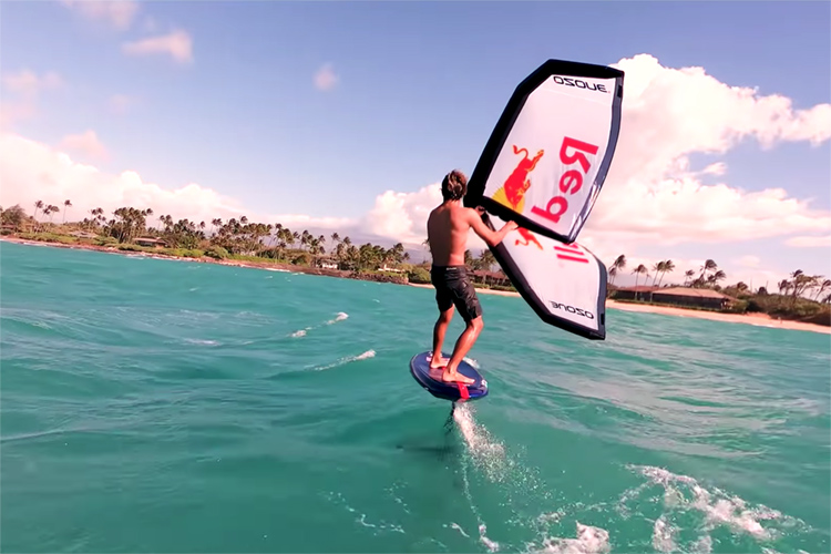 Wing Surfing: a new sport that incorporates