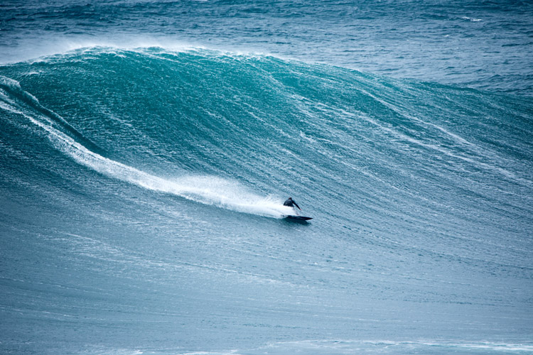 Surfing: groundswells are more frequent during winter | Photo: Shutterstock