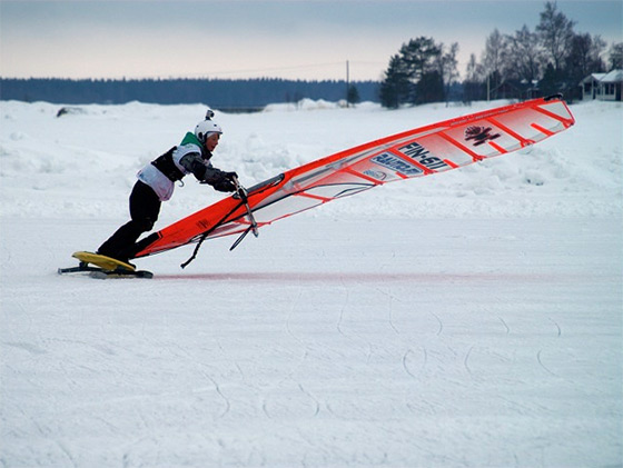 Winter Windsurfing: cool, mate | Photo: WinterWindsurf.com