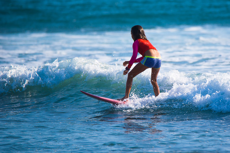 Surfing: learning is easy, improving is harder | Photo: Shutterstock
