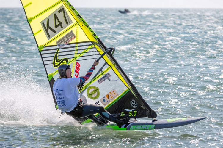 Zara Davis: the fastest windsurfer in the world | Photo: Peter Davis